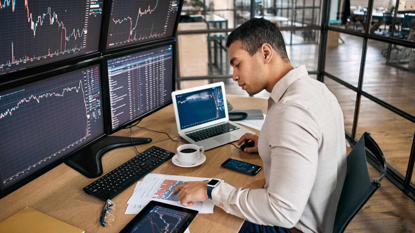 10 Lessons to Learn From Professional Trading Strategies - Admirals